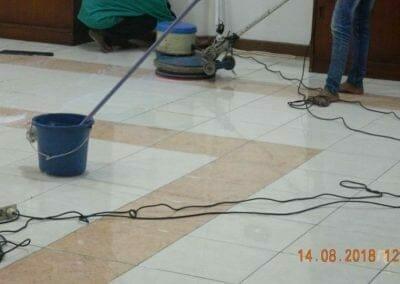 cuci-lantai-gedung-dprd-kabupaten-bekasi-06