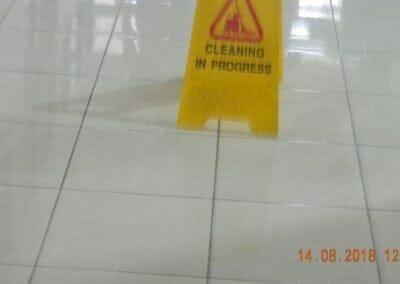 cuci-lantai-gedung-dprd-kabupaten-bekasi-08