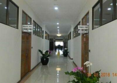 cuci-lantai-gedung-dprd-kabupaten-bekasi-18