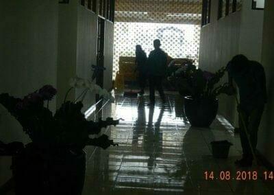 cuci-lantai-gedung-dprd-kabupaten-bekasi-24