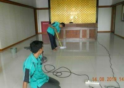 cuci-lantai-gedung-dprd-kabupaten-bekasi-25