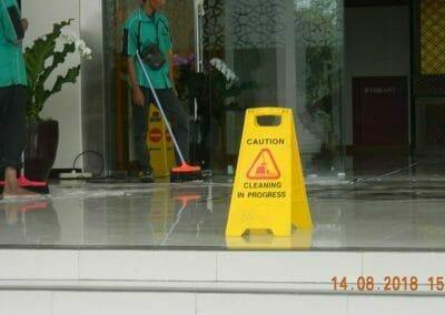 cuci-lantai-gedung-dprd-kabupaten-bekasi-28