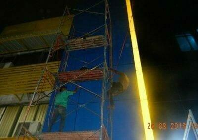 cuci-kaca-gedung-bank-mandiri-kcp-grand-wijaya-09
