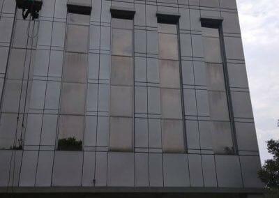cuci-kaca-gedung-bni-jatiluhur-30