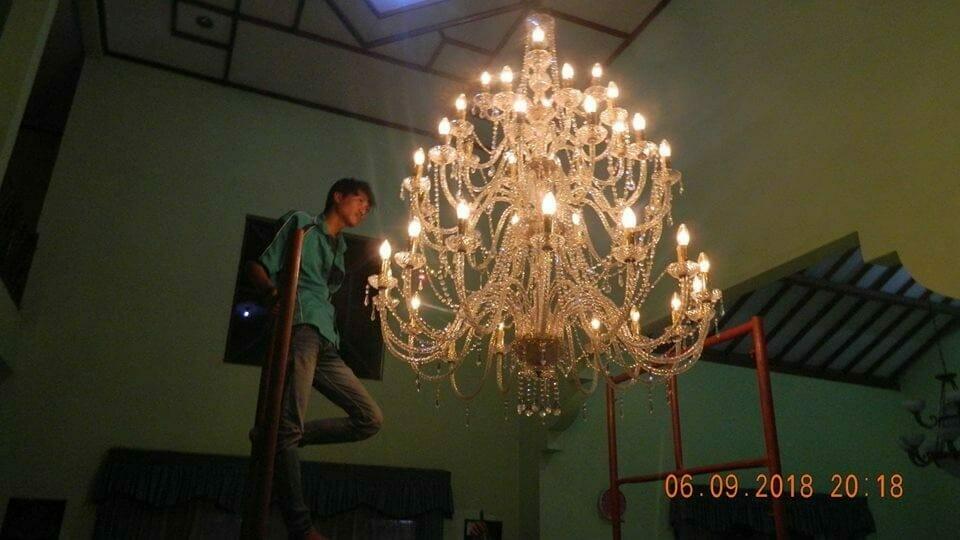 Cuci Lampu Kristal Ibu Ana Kranji – Bekasi