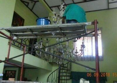 cuci-lampu-kristal-ibu-ana-03