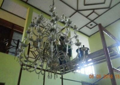 cuci-lampu-kristal-ibu-ana-10