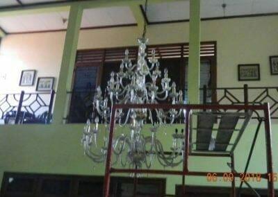 cuci-lampu-kristal-ibu-ana-11