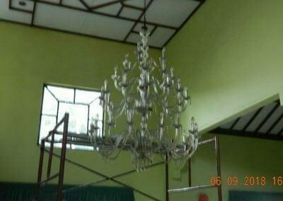 cuci-lampu-kristal-ibu-ana-12