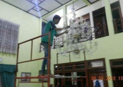 cuci-lampu-kristal-ibu-ana-20