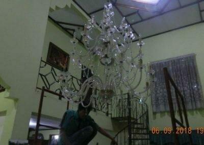 cuci-lampu-kristal-ibu-ana-23
