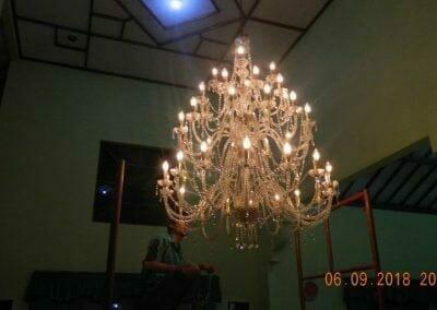 cuci-lampu-kristal-ibu-ana-29