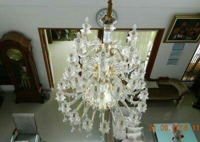 cuci-lampu-kristal-miss-kartika-01