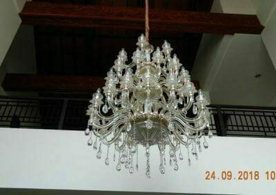 cuci-lampu-kristal-miss-kartika-07