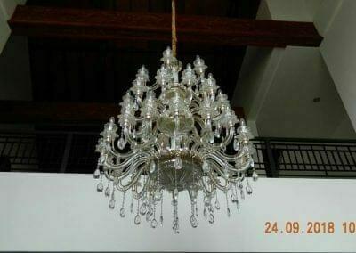 cuci-lampu-kristal-miss-kartika-08