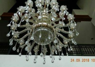 cuci-lampu-kristal-miss-kartika-09