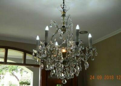cuci-lampu-kristal-miss-kartika-28