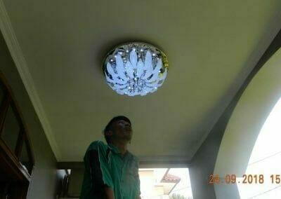 cuci-lampu-kristal-miss-kartika-30