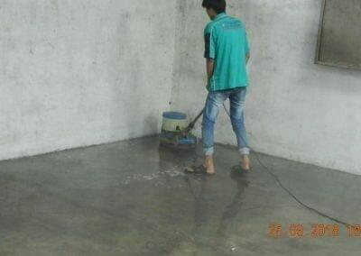 cuci-lantai-gudang-05
