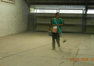 cuci-lantai-gudang-06