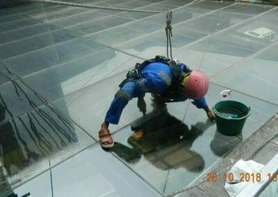 cuci-kaca-gedung-ducati-indonesia-10
