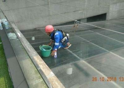 cuci-kaca-gedung-ducati-indonesia-11