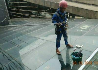 cuci-kaca-gedung-ducati-indonesia-15