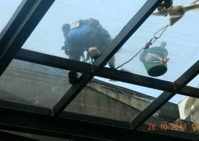 cuci-kaca-gedung-ducati-indonesia-22