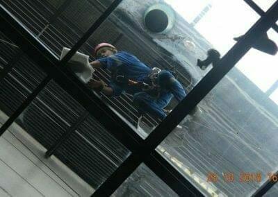 cuci-kaca-gedung-ducati-indonesia-33