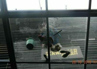 cuci-kaca-gedung-ducati-indonesia-43