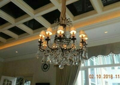 cuci-lampu-kristal-di-lotus-palace-01