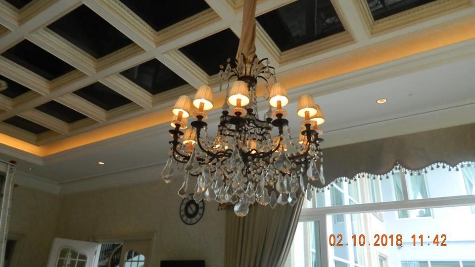 Cuci Lampu Kristal Di Lotus Palace Pantai Indah Kapuk