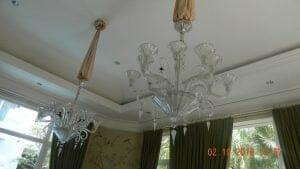 cuci-lampu-kristal-di-lotus-palace-11