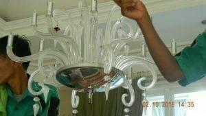 cuci-lampu-kristal-di-lotus-palace-19