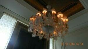 cuci-lampu-kristal-di-lotus-palace-27