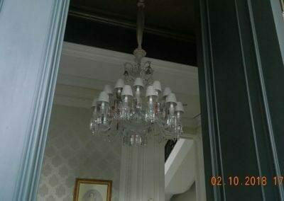 cuci-lampu-kristal-di-lotus-palace-35