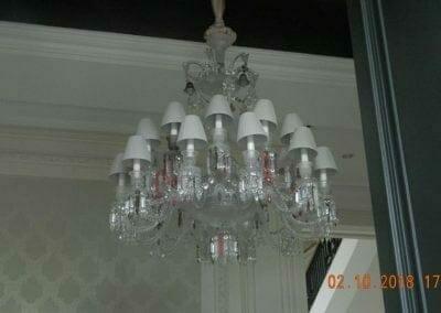 cuci-lampu-kristal-di-lotus-palace-36