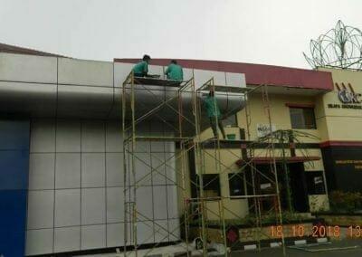 pembersih-gedung-cuci-acp-gedung-balai-sespimma-polri-30