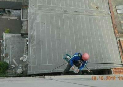 pembersih-gedung-cuci-kaca-gedung-hotel-oria-10