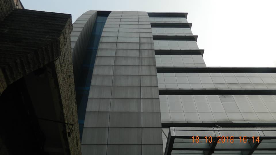 pembersih kaca gedung hotel oria jakarta 18