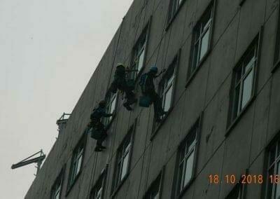 pembersih-gedung-cuci-kaca-gedung-hotel-oria-20