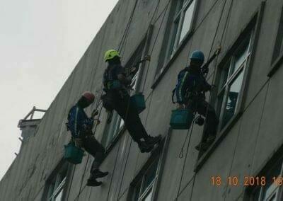 pembersih-gedung-cuci-kaca-gedung-hotel-oria-23