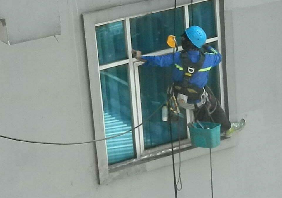 Pembersih Gedung | Cuci Kaca Gedung Oria Hotel Jakarta Pusat
