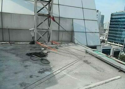 pembersih-gedung-cuci-kaca-gedung-oria-hotel-09