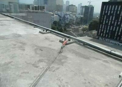 pembersih-gedung-cuci-kaca-gedung-oria-hotel-12