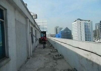 pembersih-gedung-cuci-kaca-gedung-oria-hotel-18