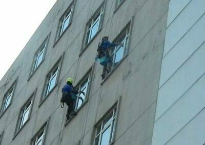 pembersih-gedung-cuci-kaca-gedung-oria-hotel-23