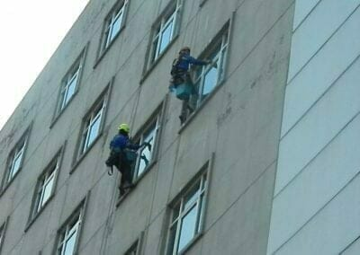 pembersih-gedung-cuci-kaca-gedung-oria-hotel-24