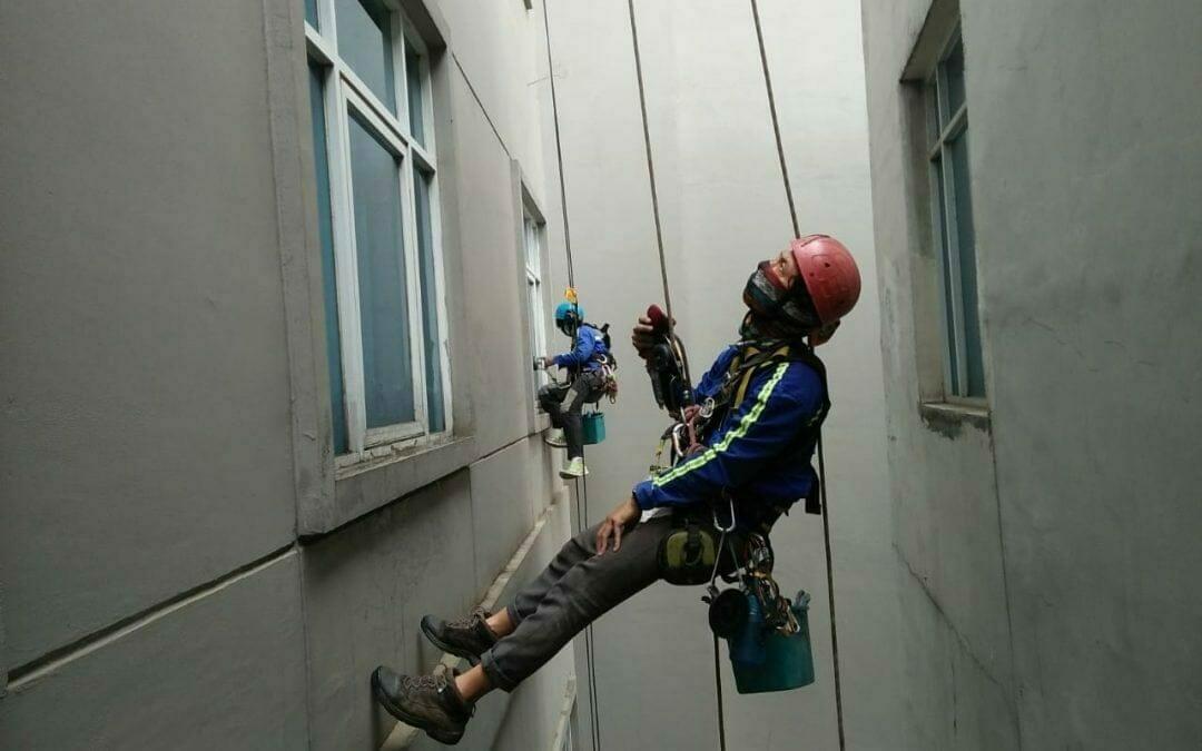 Pembersih Gedung | Cuci Kaca Hotel Oria Jakarta Pusat Hari 3