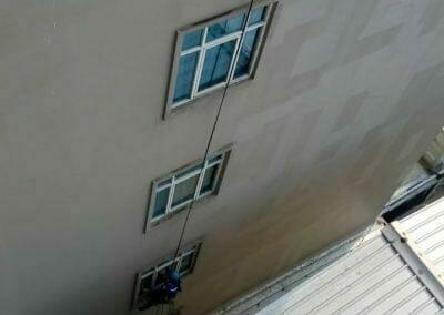 pembersih-gedung-cuci-kaca-hotel-oria-14